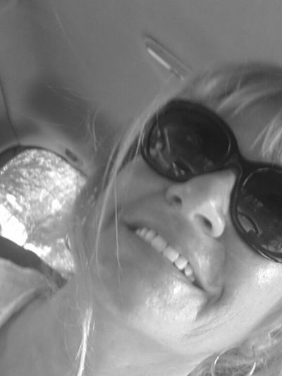 Ready for my sea Sunglasses One Woman Only Smiling Human Face Close-up Lights And Shadows Atmosphere Getting Creative Enjoing Life From My Point Of View Getting Inspired Taking Pictures Relaxing Moments Live For The Story Hello World Thats Me :) Blackandwhite Photography Portrait Of A Woman