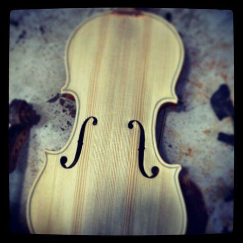 Luthieristanbul At ölyeIstanbul ViolinMaker CelloMaker Violin Viola Cello Violoncello Keman FHole Gfarukunal KışÇalışması