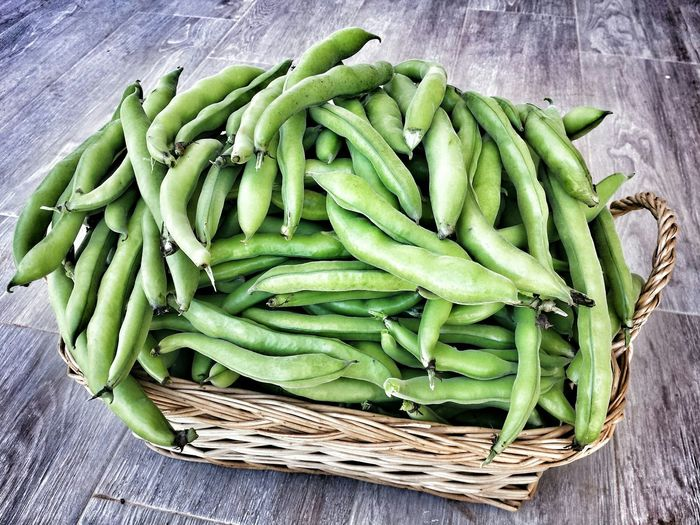 Close-Up Of Green Beans In Basket On Table