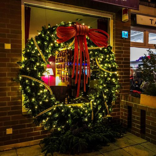 Merry Christmas 🎄✨🤗✨🎄 Christmas decoration Celebration Holiday illuminated Tree christmas decoration christ Berlin Photography Berliner Ansichten Berlin Christmas Decoration Celebration Holiday Illuminated Tree Christmas Decoration Christmas Lights Christmas Ornament Architecture Built Structure Holiday - Event Outdoors Night No People Plant Building Exterior Celebration Event Lighting Equipment