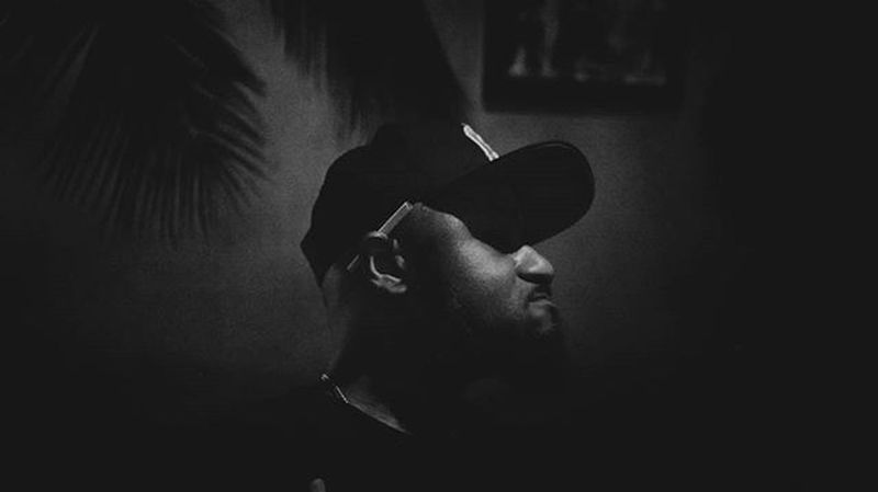 Dj fleo . . . . Music Gabon Libreville Portrait Groove Night Good times Rewind HipHop Rnb Gap Black Blackandwhite Party