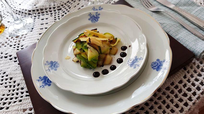 carpaccio di zucchini Carpaccio Zucchini Brazil Minasgerais Foodporn EyeEm Selects Foodphotography Launch Abobrinha Food Plate Mise En Place Focus On The Story