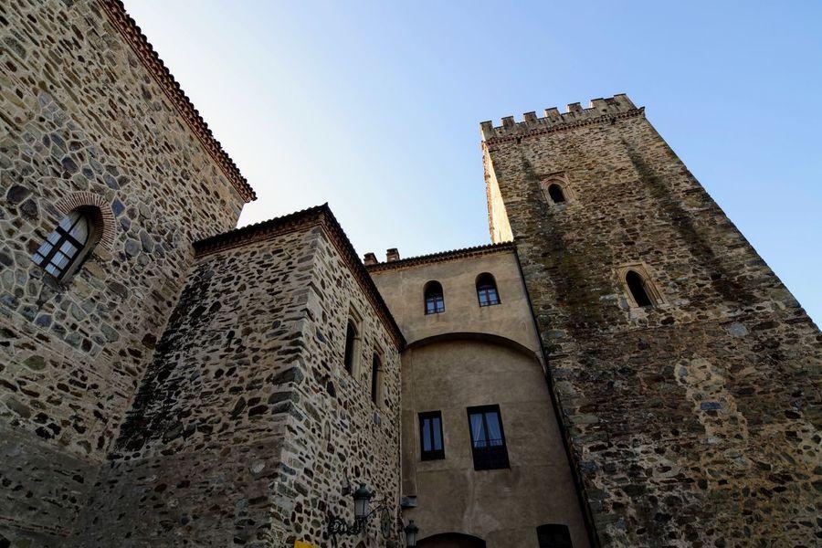 Clock Face Clock History Window Castle Medieval Sky Architecture Building Exterior Built Structure