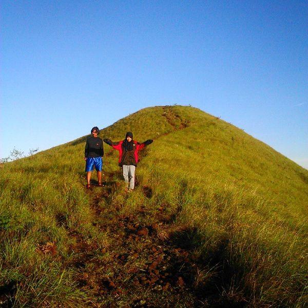 We plan we go we love and then we find the memories Mt. Penanggungan Explorejatim Mtpenanggungan Ayodolan Parapejalan pendakicantik
