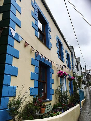 EyeEm Best Shots EyeEm Selects Building Exterior Residential Building Peaceful Close-up Blue Cream Façade My Point Of View EyeEm Gallery Beautiful Cornwall Cornish Village EyeEm Nature Lover Showcase July Textures And Surfaces Harbour Built Structure Sash Window