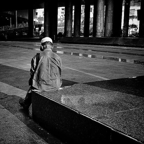 Soledad Streetphoto_bw Streetphotography Street Life Blancoynegro B&w Photography Inner Power