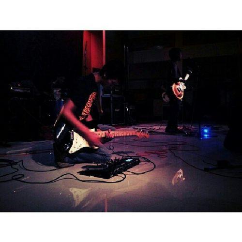 ini koh @wimbanugraha menggila lagi @telenoise Noise Shoegaze Postrock Rock music live gigs instamusic instagram instadaily instaphoto instagood