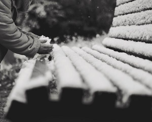 Snowball battle Human Hand Daughter Snow Snowball Best EyeEm Shot Eye4photography  EyeEm Best Shots Nofilter#noedit The Purist (no Edit, No Filter) The Week On Eyem Bestoftheday Blackandwhite Blackandwhite Photography Great Outdoors Bench Favorite InMakin! Fun Joyful Moments Happy Bestmoment Cold Temperature Mountain Real People Exceptional Photographs