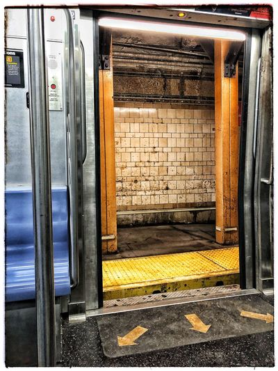 2nite Subway Public Transportation