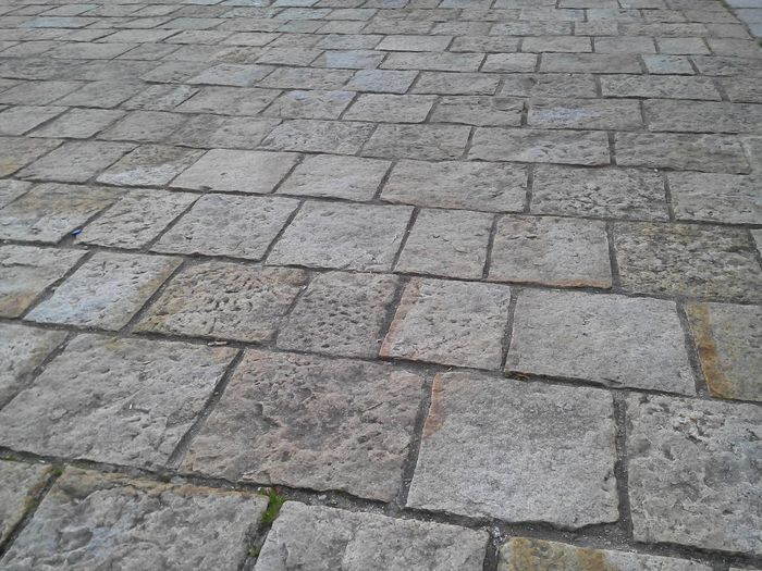 Floortraits Floor Suelo Suelos Piedra Stone Stone Floor On The Floor Floors Textures Textures And Surfaces Surface Walking Around The City  Suelo Adoquinado Mirando Al Suelo A Ras Del Suelo Vision A Ras De Suelo Elsueloquepiso  Adoquines Piso De Adoquin Calle Adoquinada
