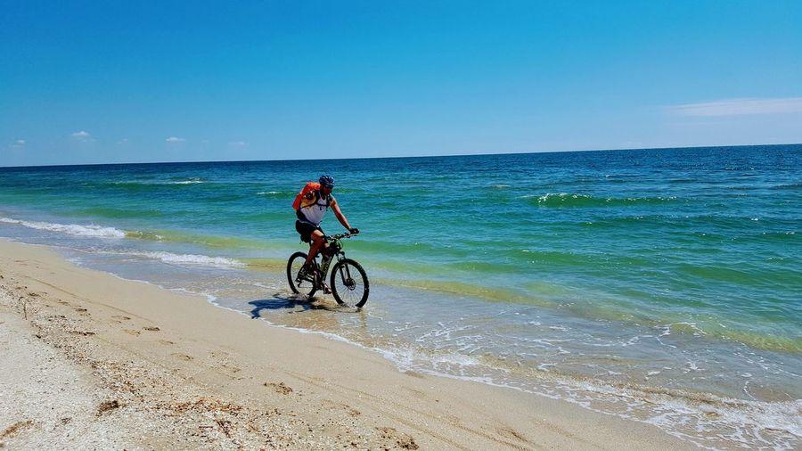 adventure Headwear Sports Clothing Sea Sport Full Length Beach Cycling Helmet Adventure Sand Healthy Lifestyle Mountain Bike Biker