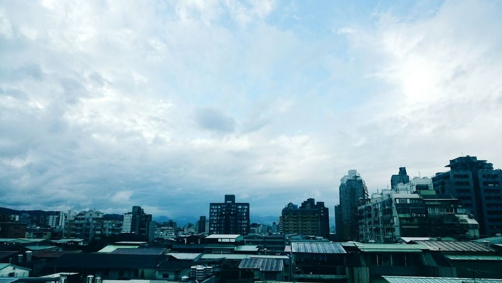 Battle Of The Cities Taiwan Taipei City City Blue Sky Buildings Embrace Urban Life