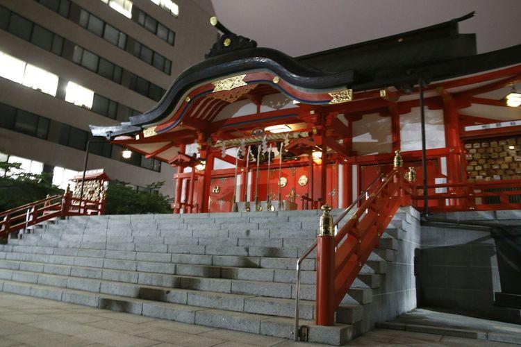 Steps against built structure