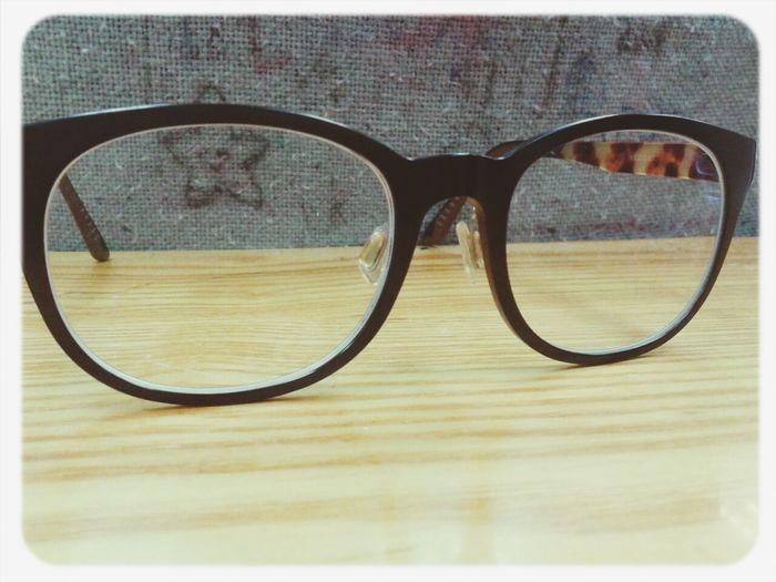 就算有眼镜,有些东西还是看不清。