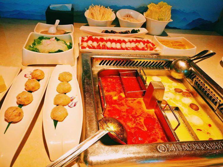 海底捞 Food And Drink High Angle View Food Close-up Ready-to-eat Indoors  No People Sweet Food Variation Day Freshness Hot Pot Chinesefood