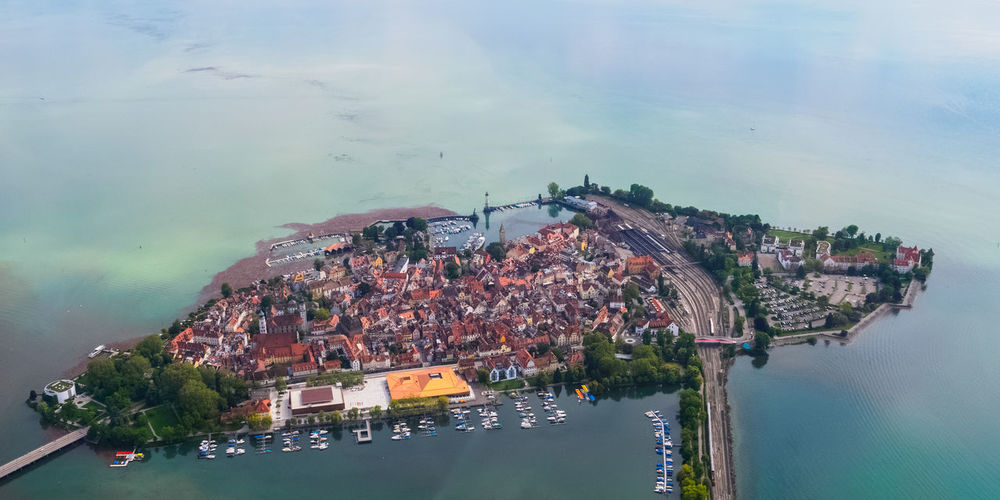 l'île de Lindau du côté suebe The Traveler - 2019 EyeEm Awards Architecture Sky Summer Arts Culture And Entertainment Aerial View Water Landmark High Angle View Lake Bodensee Historic City Island Aerial Mid-air Cityscape City Lake Of Constance Gry Au Long Cours