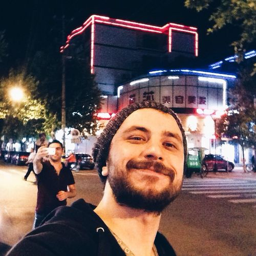 Zeki Müren de bizi görecek mi? 😉 China Traveling Enjoying Life Night Square Trip That's Me Ben Nature Colors
