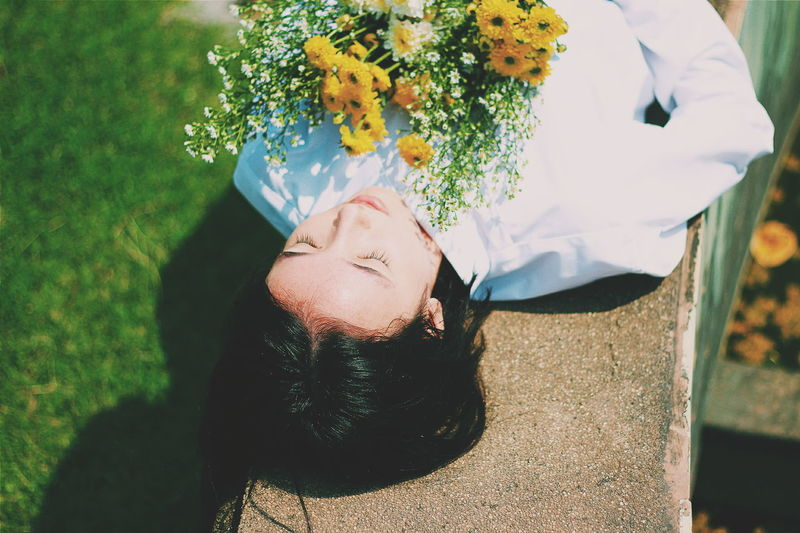 Lay down with the flowers Yellow Flowers Flowers Flower Photography Portrait Photography Portrait Of A Woman Portrait Of A Friend Relaxing Hi! Enjoying Life Flowers, Nature And Beauty