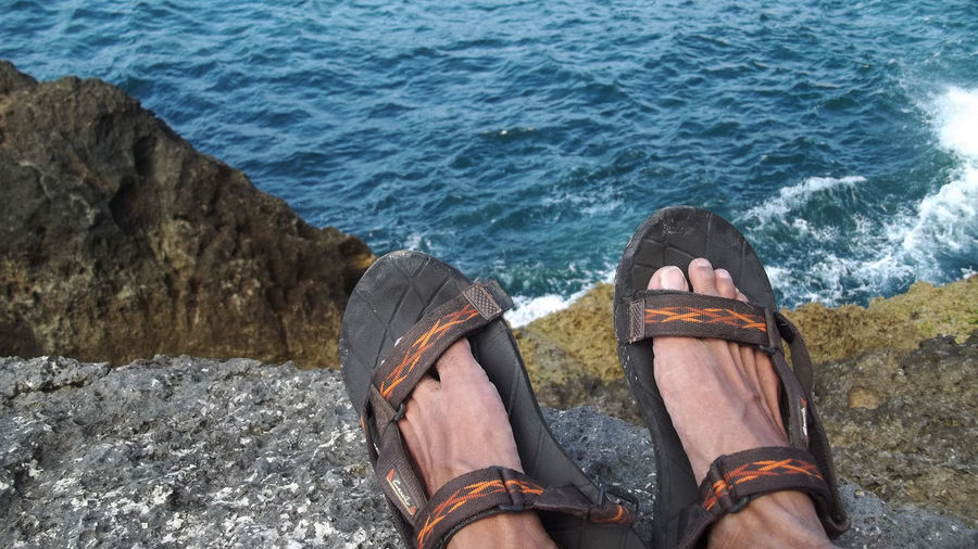 Sea View on My Seat Adult Day Human Body Part Human Leg Low Section Men Nature One Man Only One Person Only Men Outdoors People Real People Rijall Rijall Blues Rijallblues Sandal Sea Sea And Sky Sea View Sea View... Love It!  Shoe Standing Water Wave