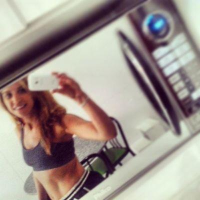 Selfie no micro-ondas antes da corrida!! Run Iloverunning