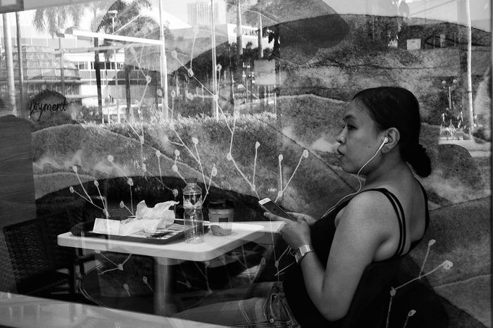 FilipinoStreetPhotographers women ar Blackandwhite Black And White b&w street photography FilipinoStreetPhotographers McDonald's Blackandwhite B&w Streetphotography EyeemPhilippines Side View One Person One Woman Only Table Only Women Indoors  People Stories From The City Power