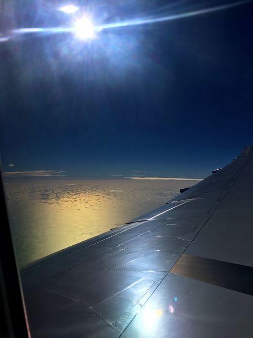 窓越しに逆光で外を眺めると、まるで異世界。宇宙空間みたい。 Space Backlight Sunlight Sky Airplane Airplane Wing Reflection Landscape From My Point Of View Cloudscape Aerial View Aircraft Wing Airplaneview Window View Cloud - Sky Horizon Over Water Tranquil Scene Tranquility Scenics Sea Nature Naha 那覇 Horizon