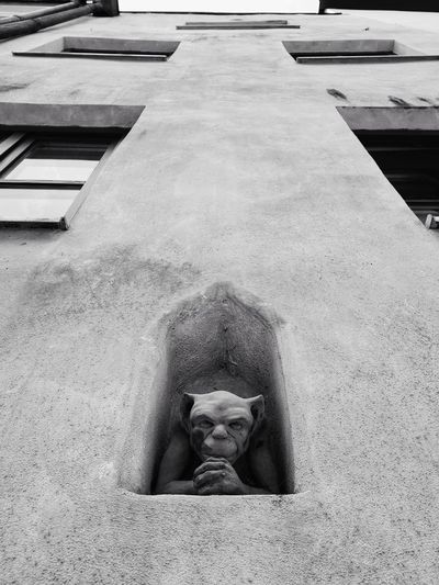 I see you 👁👁 Bnw Black And White Fassade Mysterious Mystery Looking At Camera Statue Sculpted Art Sculpture The Street Photographer - 2018 EyeEm Awards #urbanana: The Urban Playground