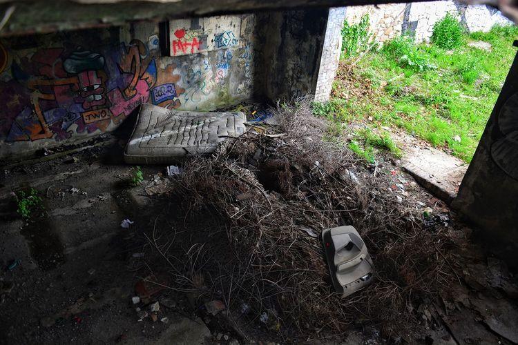 Abandoned Places Urbex Urbexexplorer Manoir Urban Exploration Urban Landscape