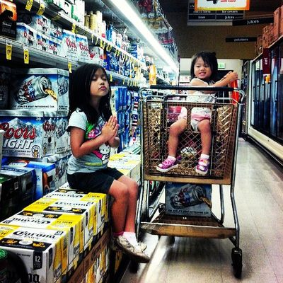 Chillin in the beer aisle. IA SGO Skl Stayathomedad beer twoforfives syd @sofsyd