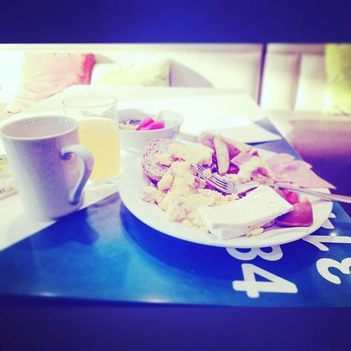 Gracias Dios por este gran desayuno... Recargando energias Para el segundo round... Breakfastofchampions Break Eat Hotellife Friday Restaurant Likeforlike Like4like Gastronomía Hiltonhotel Hotelhampton Bless Dios Barranquilla