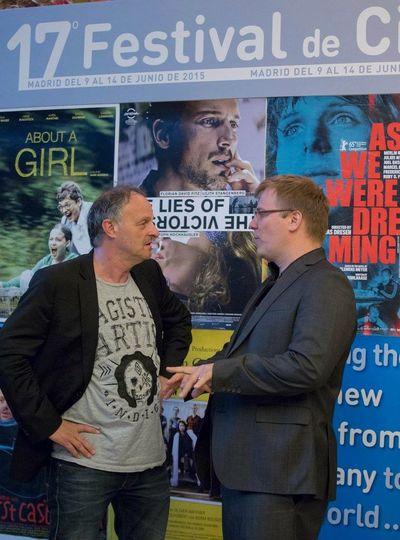 Madrid, deutsche filmwoche mit Das Ende der Gedudl, Spanische UTs, Publikum sehr konzentriert, hier mit Christoph Hochhäusler im Gespräch vor dem Kino