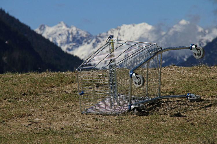 Alpen Alpenflora Alps Berge Chair Day Drahtesel Einkaufwagen Metal Perspective Seltsame Objekte Shopping Umweltsünden Umweltverschmutzung