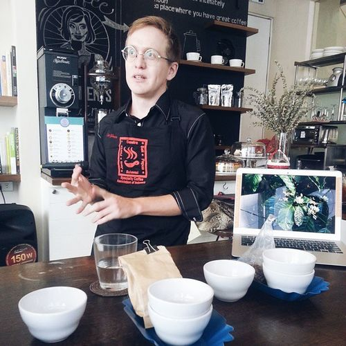 Coffee cupping sesson with Evan Gilman, licensed Q grader at @communeph ☕ CoffeeCuppingSession CommunePh
