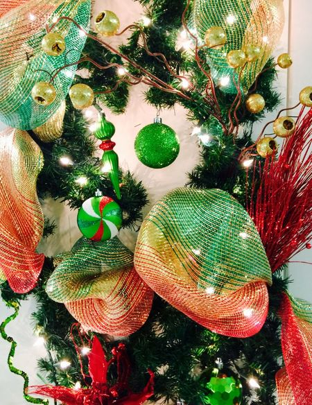 Christmas Christmas Tree Decoration Christmas Decoration Christmas Ornament Tradition Celebration Tree No People Hanging Indoors  Close-up Home Interior Green Color Christmas Bauble Day