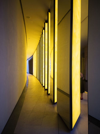 La Fondation Louis Vuitton - Grotto / Olafur Eliasson La Fondation Louis Vuitton Paint The Town Yellow