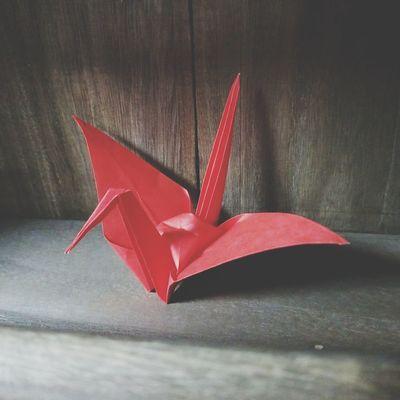 Folded paper crane Folded Paper Crane 折り鶴 Origami Art Origami Cranes Origami Craft Origami Red Winter Studio Shot Christmas Close-up