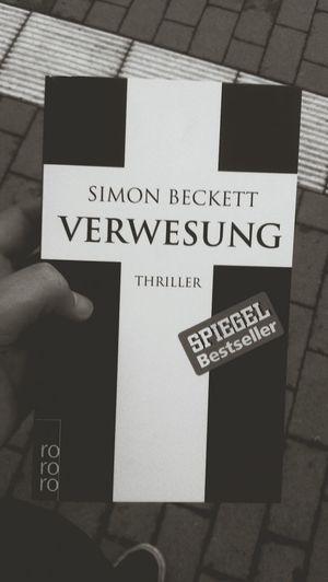 next read: Simon Beckett - Verwesung