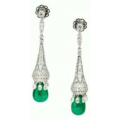 Diamond , Emerald , White Gold Earrings The Earrings feature teardrop-shaped emeralds weighing a total of 18.66 carats, enhanced by full and briolette-cut diamonds weighing a total of 7.10 carats, set in 18k white gold Jewellery Jewelry Instajewelry Instagram_turkey Instablogger Jewelblog Jewelryaddiction Jewelryaddict Jewelrygram Artdeco