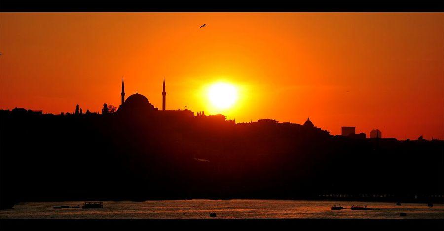 Istanbul City Karaköy Iskelesi Istanbul Turkey Istanbul Eminönü Galatakoprusu Istanbullovers Colorful First Eyeem Photo Hello World Going To An Exotic Place