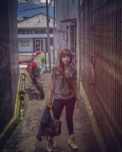 Ismayani Bogor Girl Woman Women Alone Style Fashion Motorcycle Black Boots Shirt Longhair Light Love Lover Waiting Rider Alley Motor Photo Picture INDONESIA Sunda White clothing bag isma image wife