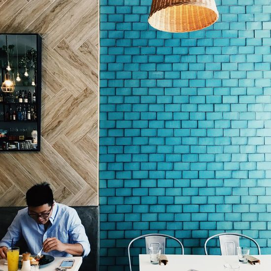 Restaurant Food Colorful Sun ASIA China Perfect Symmetry Design Wall Blue Brunch HongKong Indoors  Communication One Person Wireless Technology People Adult