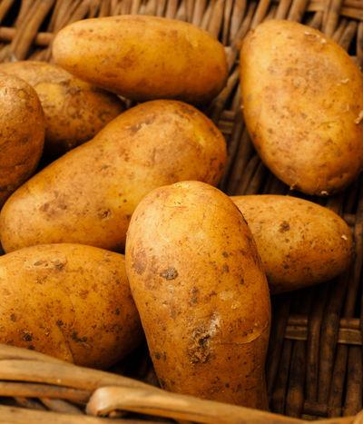 Potatoes in a Basket Basket Food Harvest Kartoffeln Organic Food Potatoes Raw Potatoes Vegetables