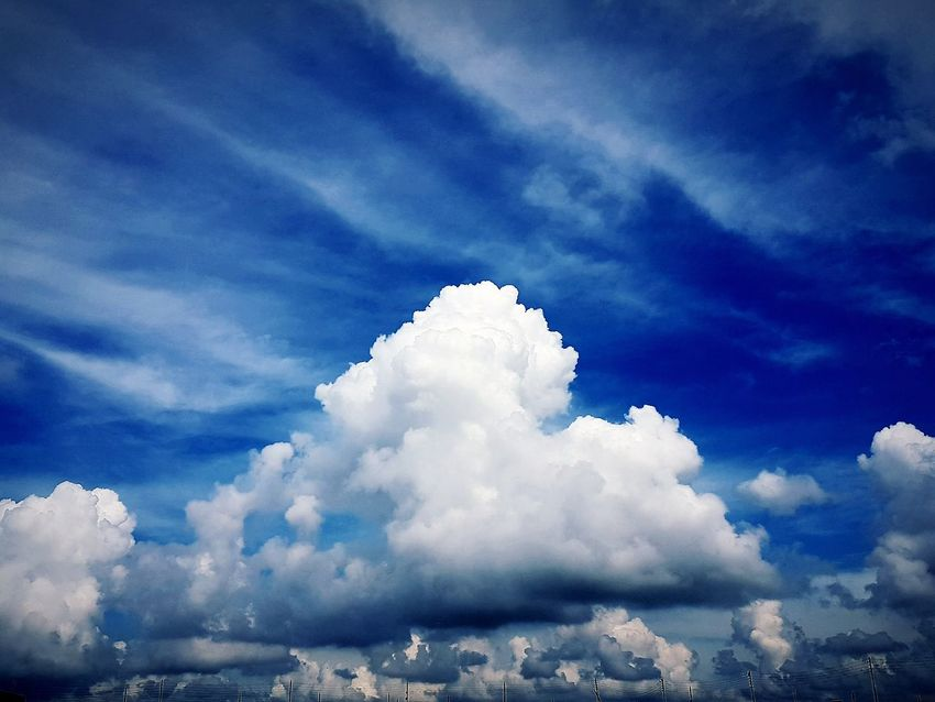 Cloud - Sky Low Angle View Beauty In Nature Mobilephotography Blue Nature Freshness Scenics