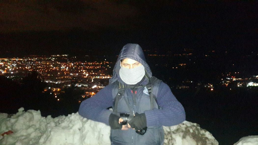 its so cold but i can take a pic maybe Taking Photos Hi! Cheese! Nightphotography Spildagi