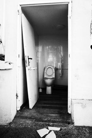 Noir Et Blanc Architecture Bathroom Blackadnwhite Built Structure Day Flushing Toilet High Contrast Indoors  No People Street Photography Streetphotography Toilet Bowl