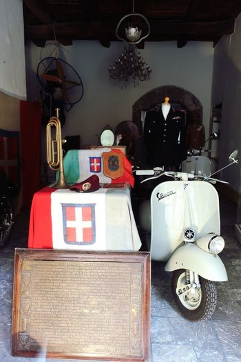 Il collezione Italy Italy❤️ Italy Holidays Italy🇮🇹 History Tricolore Unform Vespa Vespa Indoors  Still Life No People Variation Table Choice Business