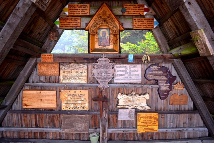 Chapel Mountain Church Architecture Building Exterior Built Structure Day Hanging History Indoors  Low Angle View Mountain Mountain Chapel No People Place Of Worship Religion Spirituality Travel Destinations Wood - Material