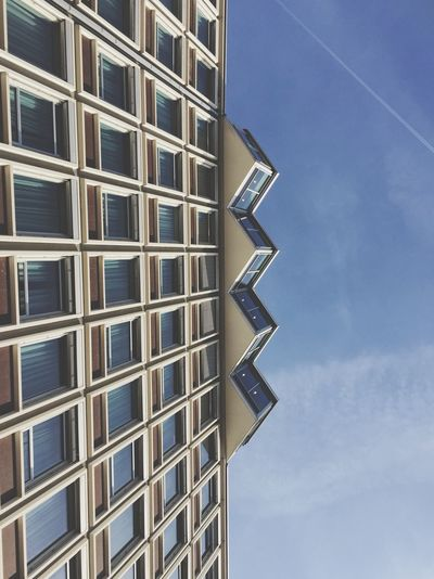 Built Structure Architecture Building Exterior Sky Low Angle View Building Window