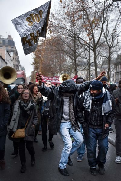 Demonstration Droit Des Migrants France Human Rights Immigrants Journalism Manif Manifestation Migrants Migrating News Paris People Photojournalism Protesters Social Social Movements Street Dance Dancers Black Happiness Resist