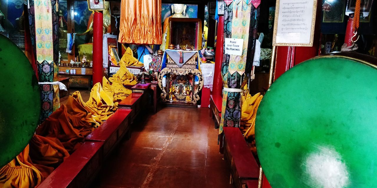 Monestery Buddhist Temple India Ladhakh EyeEm Selects Built Structure Budhism Monk  Religion Prey Multi Colored Display Place Of Worship Spirituality Residential Structure